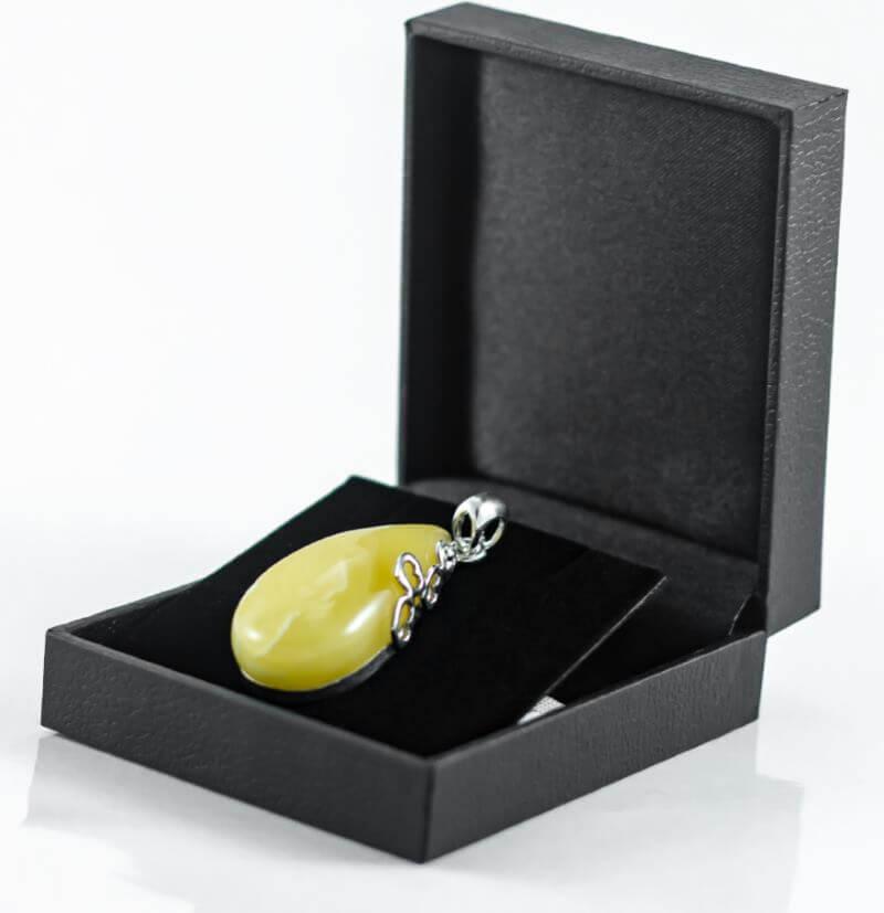 Biżuteria z bursztynem na prezent