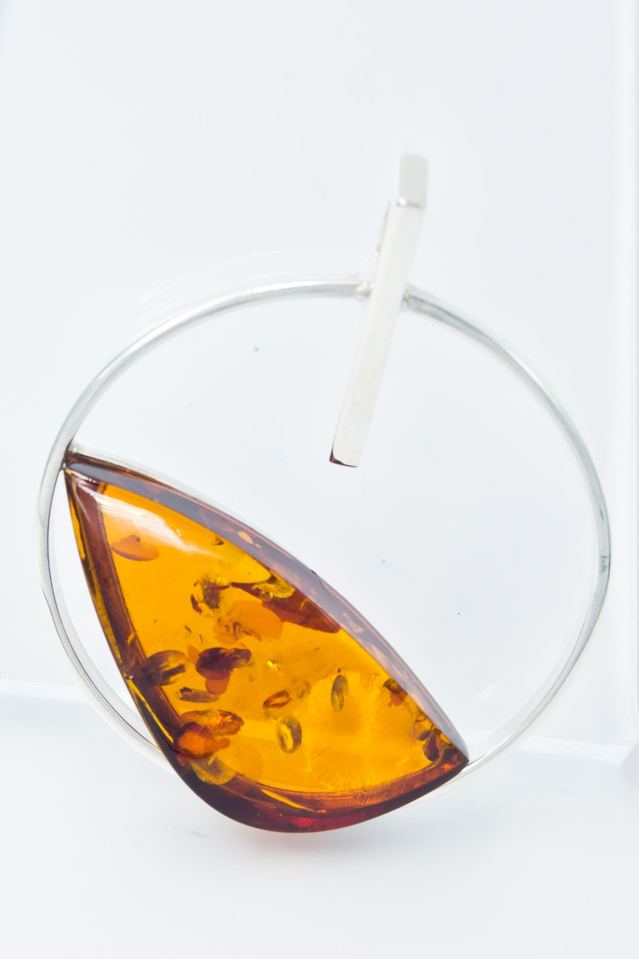 Alluring silver pendant with cognac amber A2A15