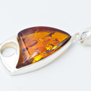 Elegant silver pendant with cognac amber A2A17