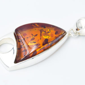 Elegant silver pendant with cognac amber A2A18