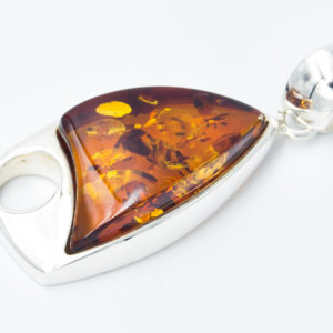 Elegant silver pendant with cognac amber A2A20