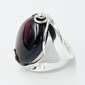 Decorative silver ring with cherry amber A2A55
