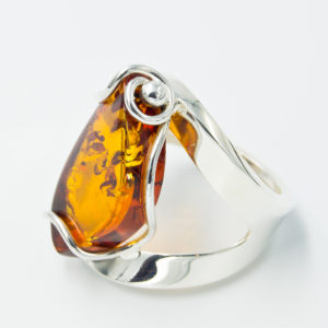 Elegant silver ring with natural cognac amber A2A60