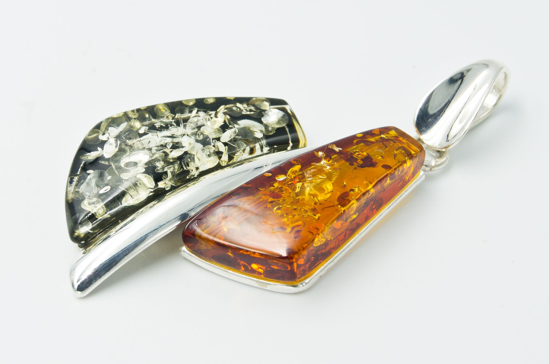 Alluring silver pendant with green and cognac Baltic amber A2A66
