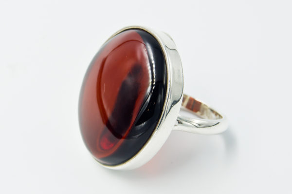 Elegant silver ring with natrual cherry amber A2A73