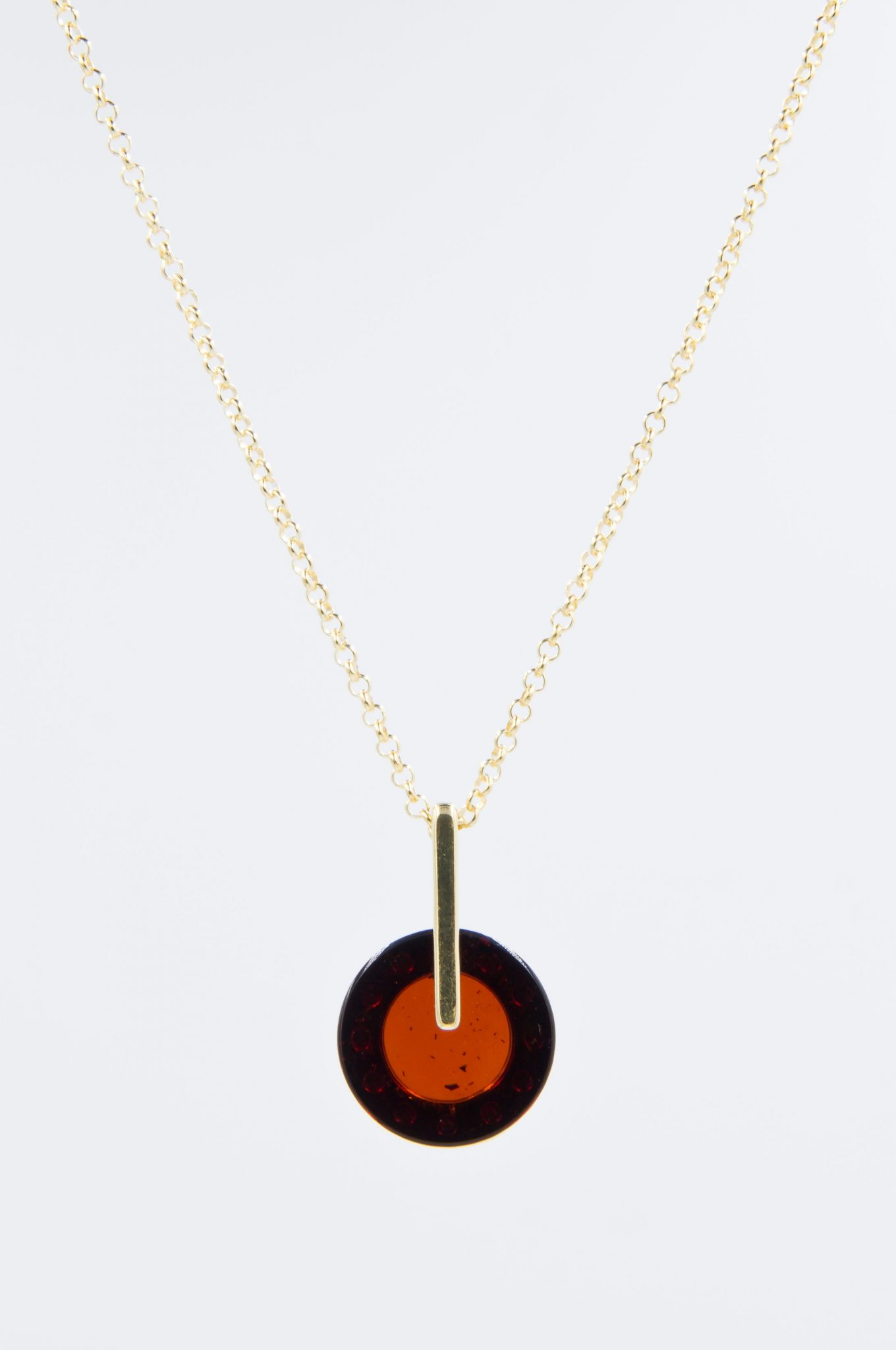 Elegant necklace with round cognac amber Z1A06