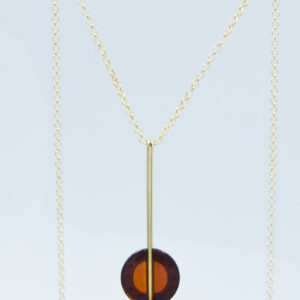 Elegant necklace with round cognac amber Z1A16