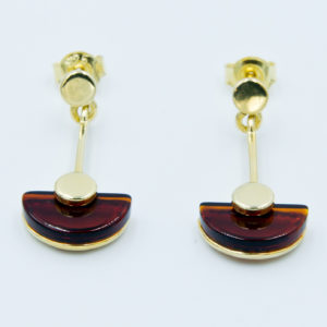 Decorative earings with semicircular cognac amber Z1A32