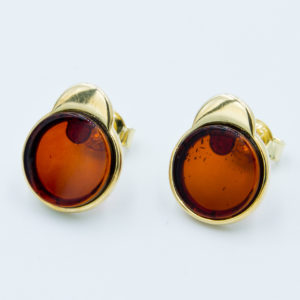 Gentle earrings with round cognac amber Z1A35