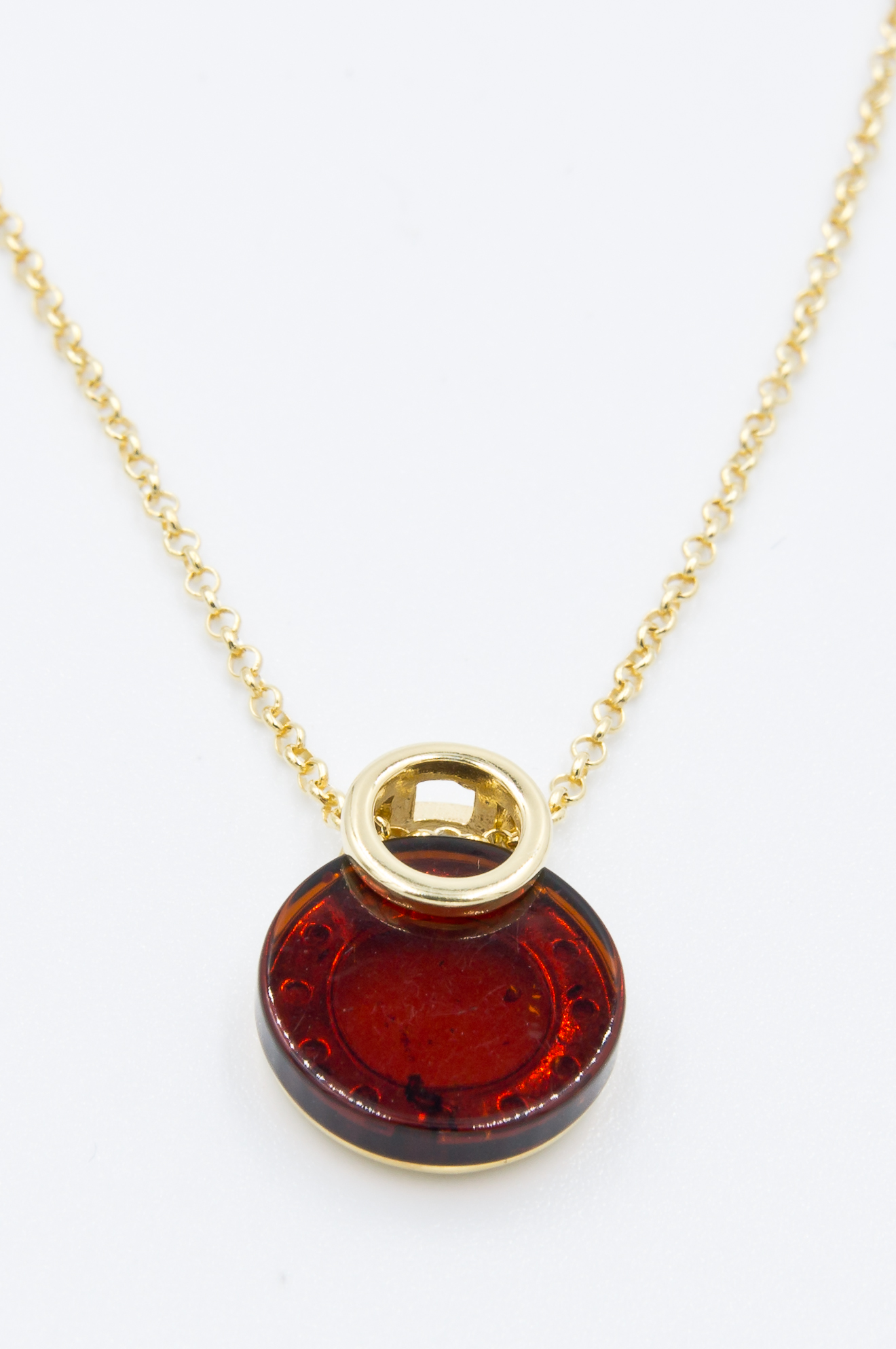 Necklace with round cognac amber Z1A45
