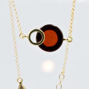 Modest bracelet with round cognac amber Z1A47