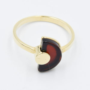Alluring ring with semicircular cognac amber Z1A55 size 15