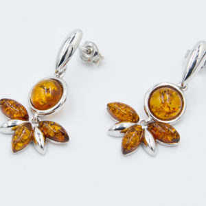 Decorative silver earrings with natural cognac amber Z1A89