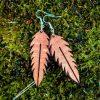 kolczyki drewniane w kształcie liścia